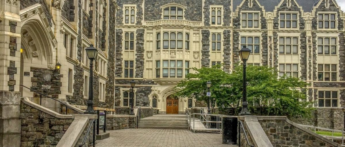 Pictured is a building at the City College of New York, part of CUNY. (Shutterstock/PhotoSof) | New York Law Student: 'F*** The Law!'