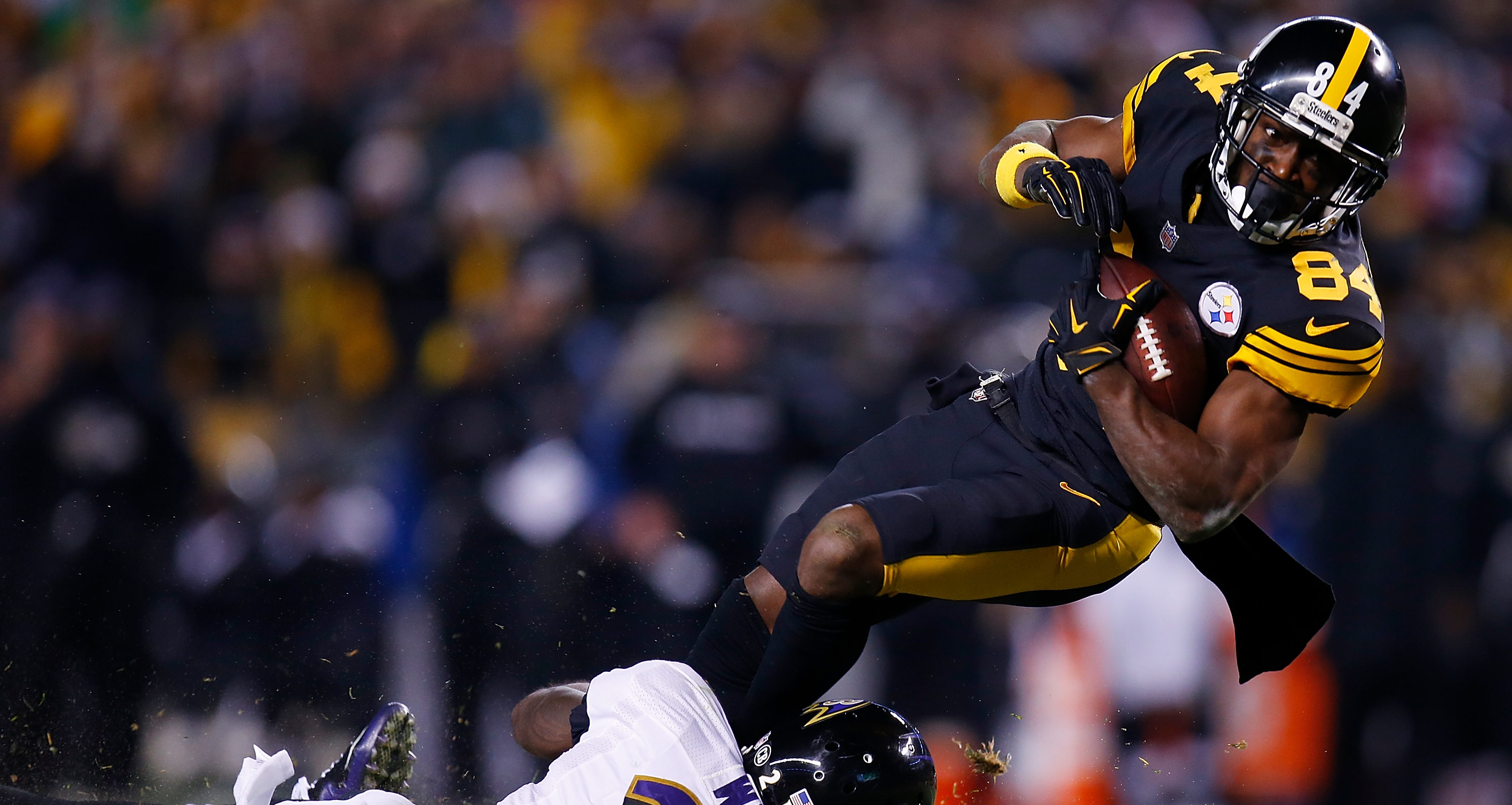 Baltimore Ravens and the Pittsburgh Steelers Heinz Field in Pennsylvania (Photo by Justin K. Aller/Getty Images)