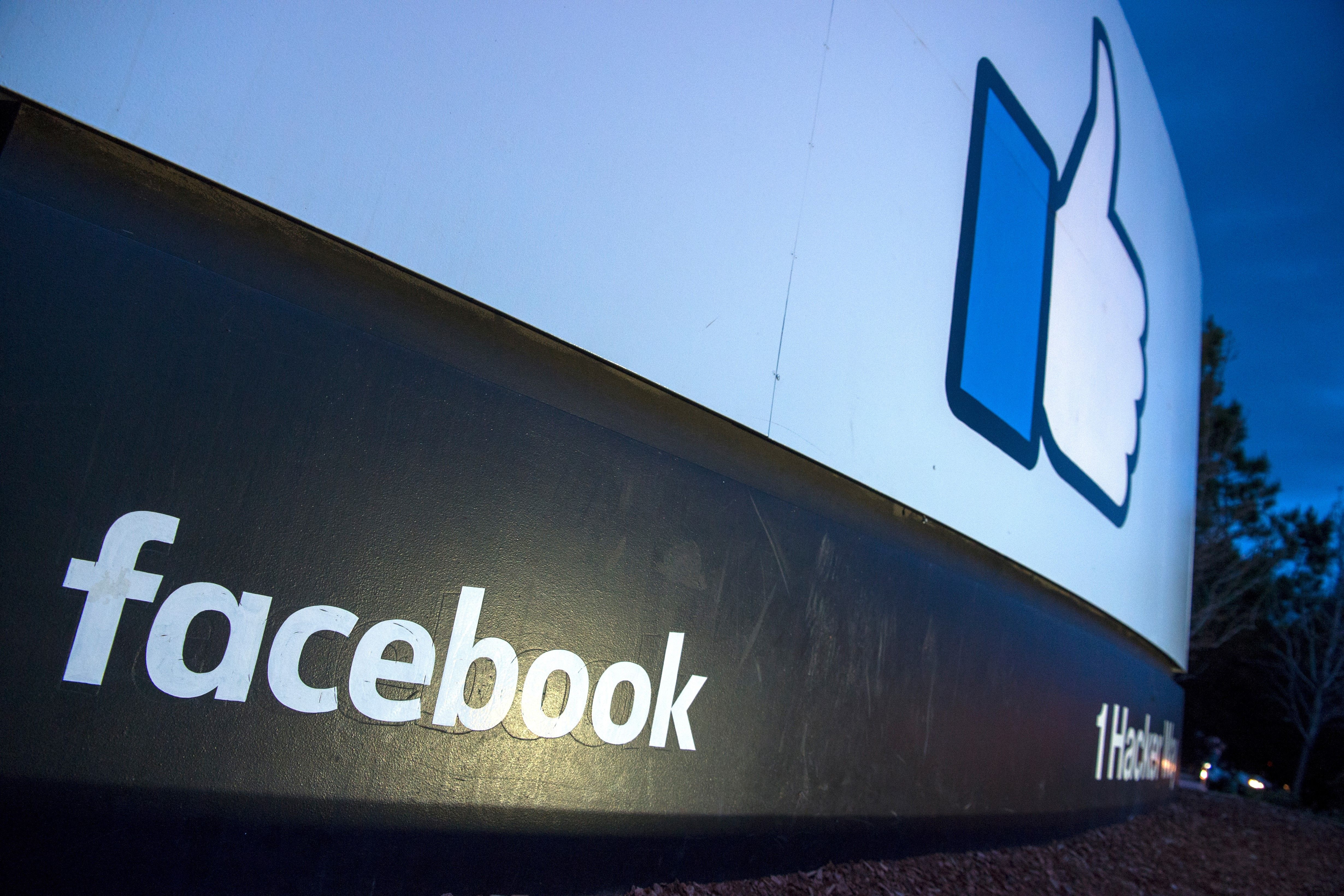 Facebook passes new rules on political ads
