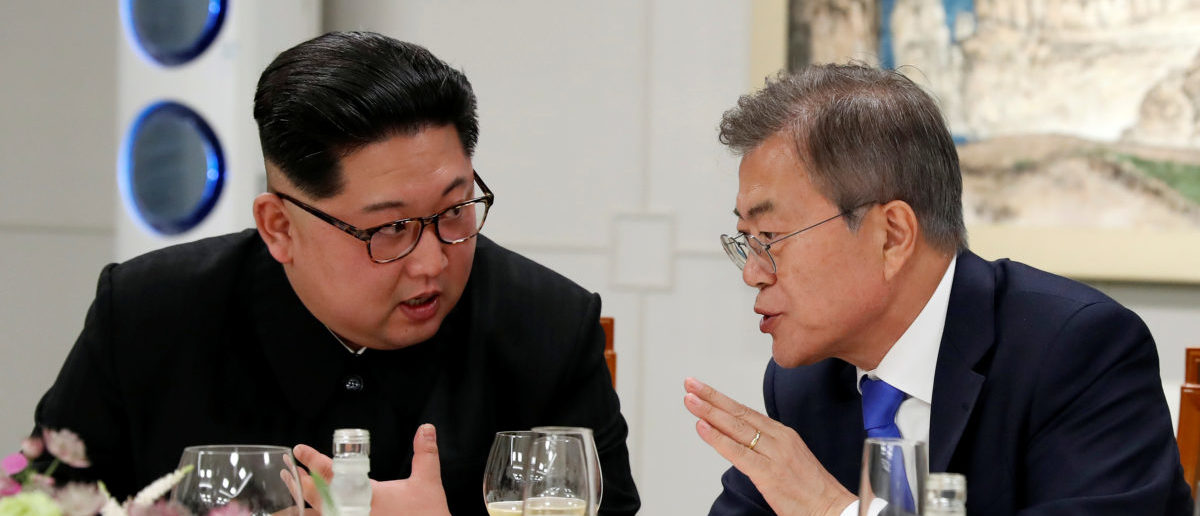 South Korean President Moon Jae-in and North Korean leader Kim Jong Un attend a banquet on the Peace House at the truce village of Panmunjom inside the demilitarized zone separating the two Koreas, South Korea, April 27, 2018. Korea Summit Press Pool/Pool via Reuters