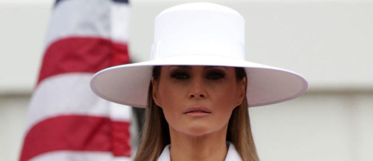WASHINGTON, DC - APRIL 24:  U.S. first lady Melania Trump participates in a state arrival ceremony at the South Lawn of the White House April 24, 2018 in Washington, DC. Trump is hosting French President Emmanuel Macron for a two-day official visit that includes dinner at George Washington's Mount Vernon, a tree planting on the White House South Lawn, an Oval Office meeting, a joint news conference and a state dinner.  (Photo by Alex Wong/Getty Images)
