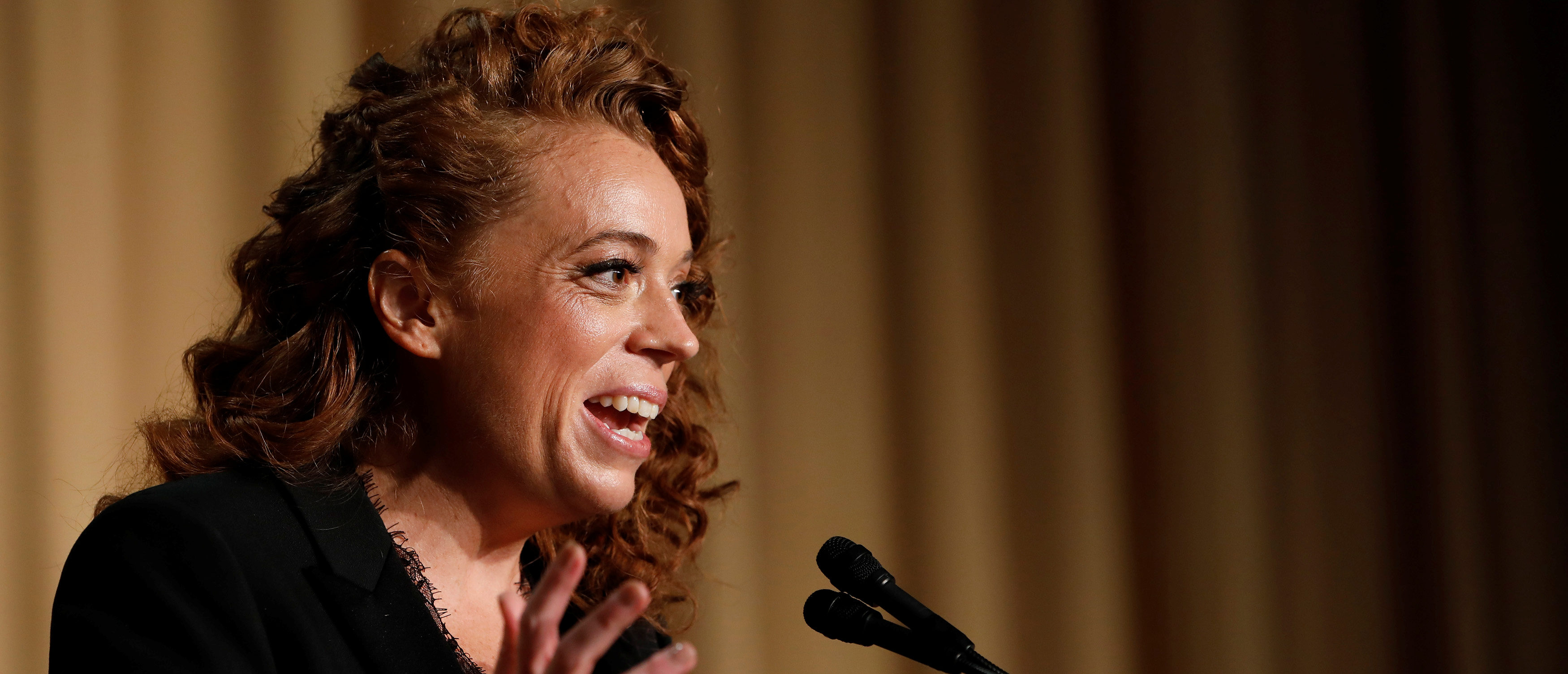 Comedian Michelle Wolf performs at the White House Correspondents' Association dinner in Washington, April 28, 2018. REUTERS/Aaron P. Bernstein