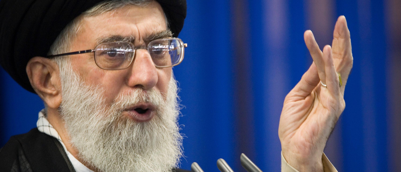 Iran's Supreme Leader Ayatollah Ali Khamenei speaks during Friday prayers in Tehran September 14, 2007. REUTERS/Morteza Nikoubazl/File Photo - S1AETHSUNEAB
