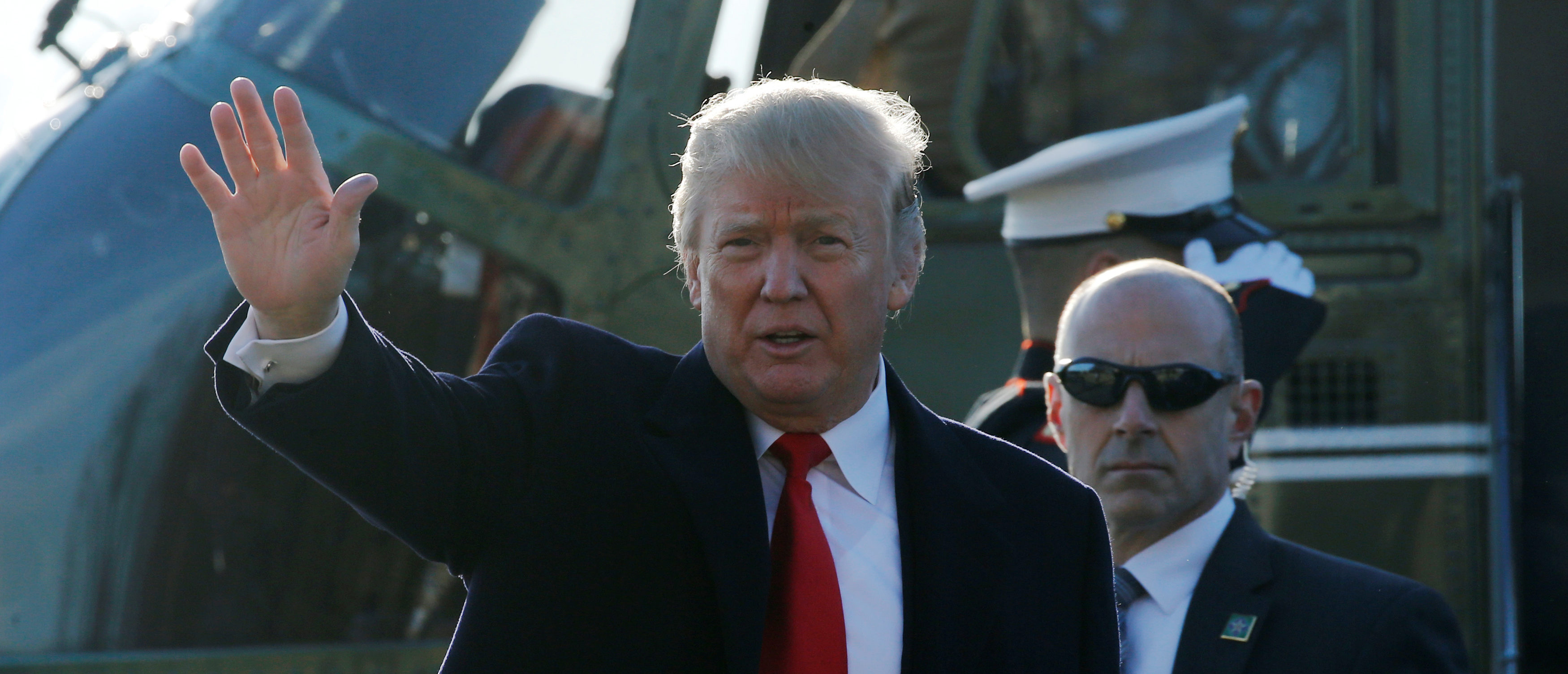 U.S. President Donald Trump arrives via the Marine One helicopter to visit injured military service members at Walter Reed National Military Medical Center in Bethesda, Maryland, U.S., December 21, 2017. REUTERS/Jonathan Ernst - RC124AD9D970