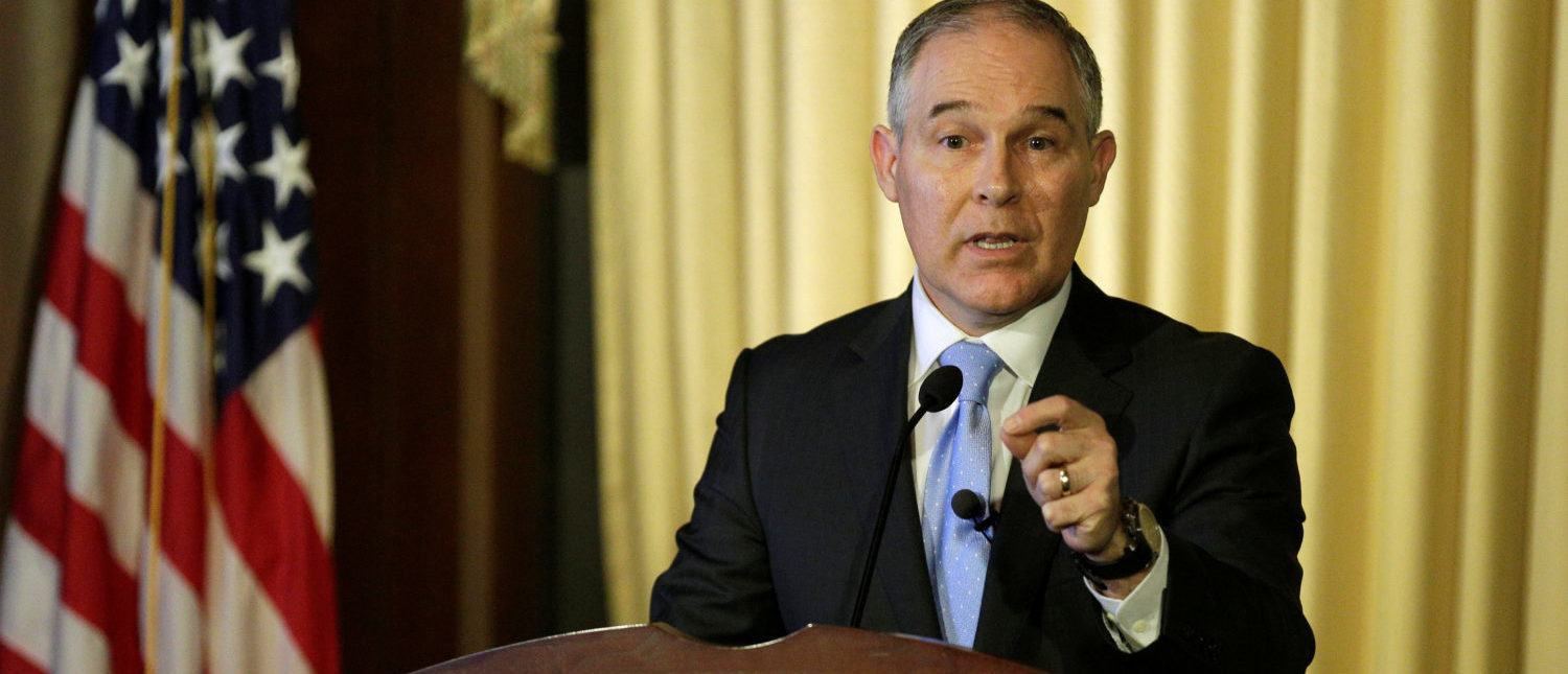 Scott Pruitt, administrator of the Environmental Protection Agency (EPA), speaks to employees of the Agency in Washington, U.S., February 21, 2017. REUTERS/Joshua Roberts - RC119B66C830
