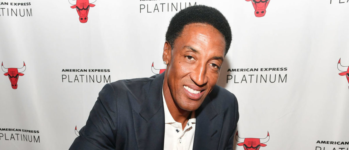 """CHICAGO, IL - APRIL 01: Scottie Pippen meets fans at American Express """"Paints The Town Platinum"""" At The Chicago Bulls Game At The United Center In Chicago on April 1, 2017 in Chicago, Illinois. (Photo by Daniel Boczarski/Getty Images for American Express)"""