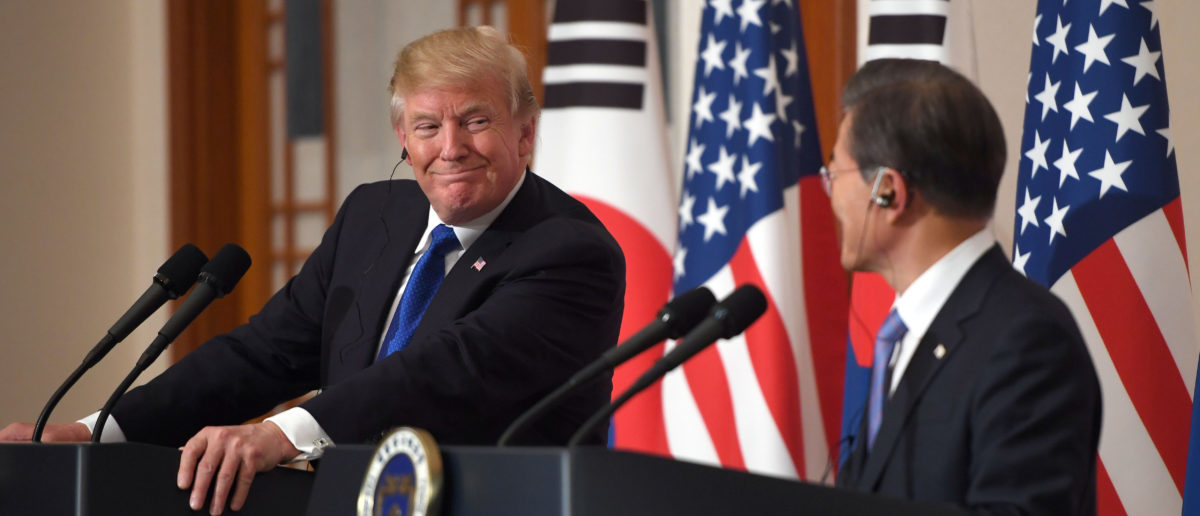 U.S. President Donald Trump smiles during a joint press conference with South Korea's President Moon Jae-in at the presidential Blue House in Seoul, South Korea, November 7, 2017. REUTERS/Jung Yeon-Je/Pool