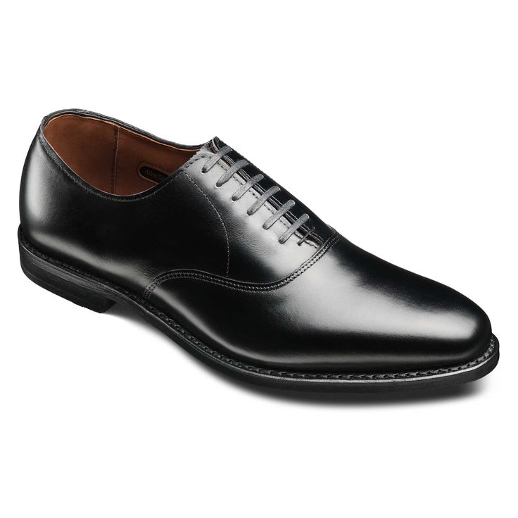 Normally $425, this Oxford is 41 percent off (Photo via Allen Edmonds)