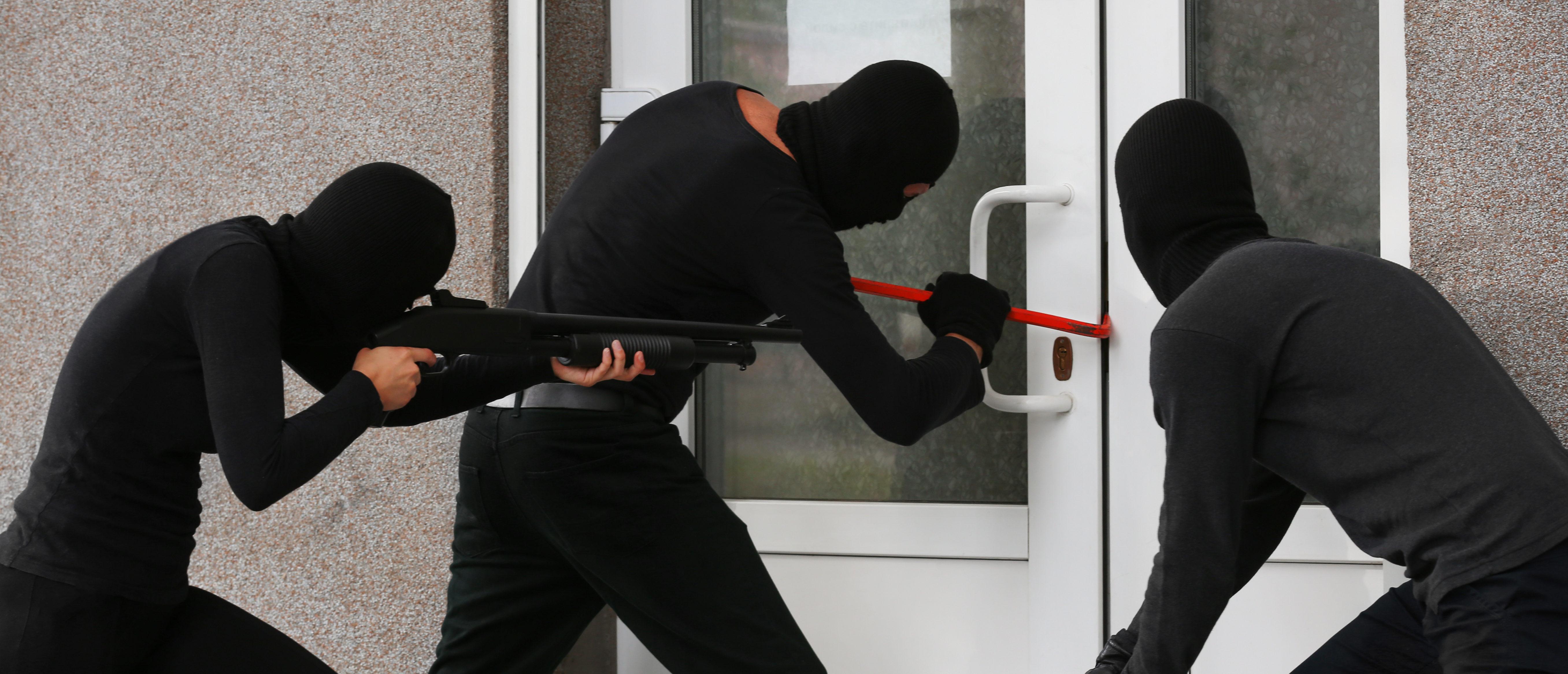 Armed robbers, Shutterstcok