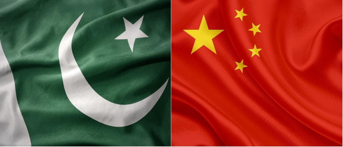 China Pakistan Shuttetstock/esfera, Shutterstock/Tony albelton