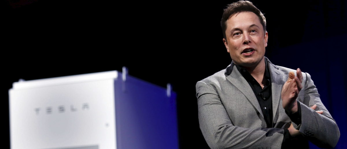 Tesla Motors CEO Elon Musk reveals the Tesla Energy Powerwall Home Battery during an event in Hawthorne, California April 30, 2015. Tesla Motors Inc unveiled Tesla Energy - a suite of batteries for homes, businesses and utilities - a highly-anticipated plan to expand its business beyond electric vehicles. REUTERS/Patrick T. Fallon | California Votes To Bailout Elon Musk