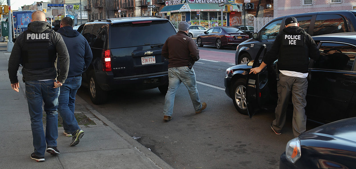 """U.S. Immigration and Customs Enforcement (ICE), officers depart after an operation to arrest an wanted undocumented immigrant on April 11, 2018 in the Brooklyn borough of New York City. New York is considered a """"sanctuary city"""" for undocumented immigrants, and ICE receives little or no cooperation from local law enforcement. ICE said that officers arrested 225 people for violation of immigration laws during the 6-day operation, the largest in New York City in recent years. (Photo by John Moore/Getty Images)"""