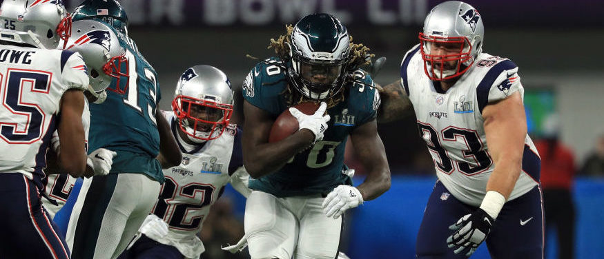 MINNEAPOLIS, MN - FEBRUARY 04: Jay Ajayi #36 of the Philadelphia Eagles runs the ball against the New England Patriots during the third quarter in Super Bowl LII at U.S. Bank Stadium on February 4, 2018 in Minneapolis, Minnesota. (Photo by Mike Ehrmann/Getty Images)