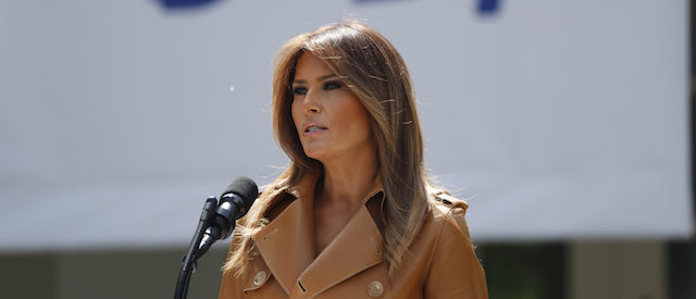 "U.S. first lady Melania Trump delivers remarks at the ""launch of her Be Best initiatives in the Rose Garden of the White House in Washington, U.S., May 7, 2018. REUTERS/Kevin Lamarque - HP1EE571HW7PJ"