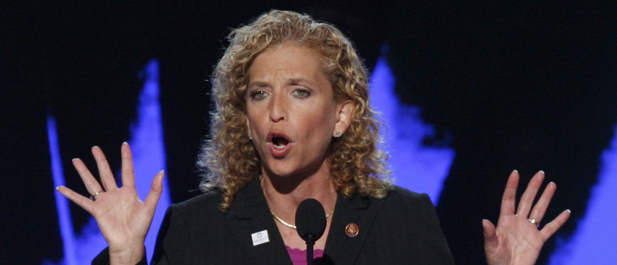 U.S. Representative Debbie Wasserman Schultz (D - FL) seconds the nomination of Sen. Barack Obama at the 2008 Democratic National Convention in Denver, Colorado, August 27, 2008. U.S. Senator Barack Obama (D-IL) is expected to accept the Democratic presidential nomination at the convention on August 28. REUTERS/Mike Segar (UNITED STATES) US PRESIDENTIAL ELECTION CAMPAIGN 2008 (USA) - GM1E48S0HD701