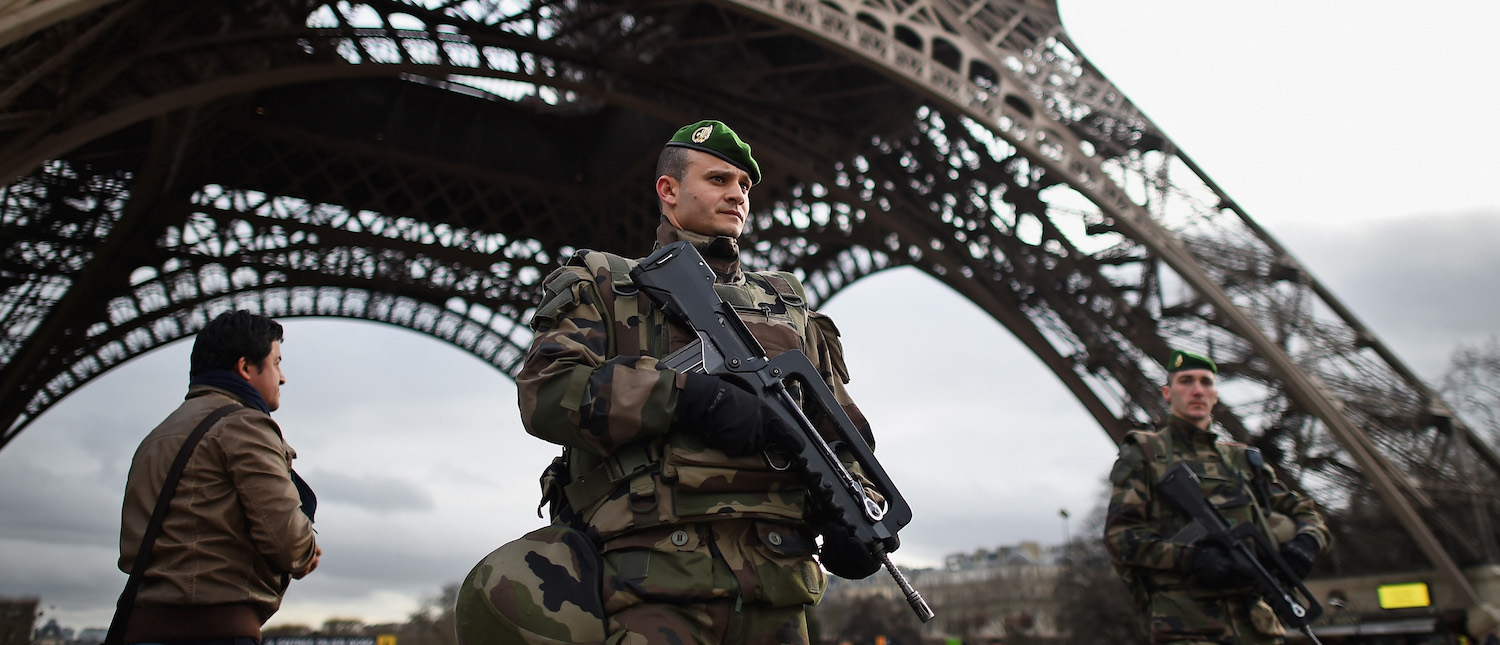 French troops patrol around the Eifel Tower on January 12, 2015 in Paris, France. France is set to deploy 10,000 troops to boost security following last week's deadly attacks while also mobilizing thousands of police to patrol Jewish schools and synagogues. (Photo: Jeff J Mitchell/Getty Images)
