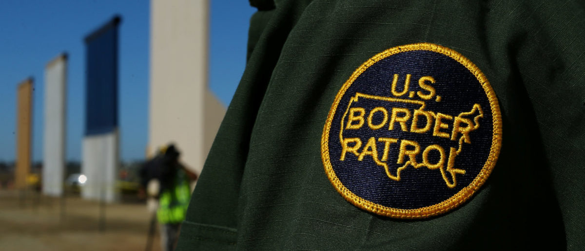 Exclusive border patrol agent shot in possible ambush for Exclusive bordering