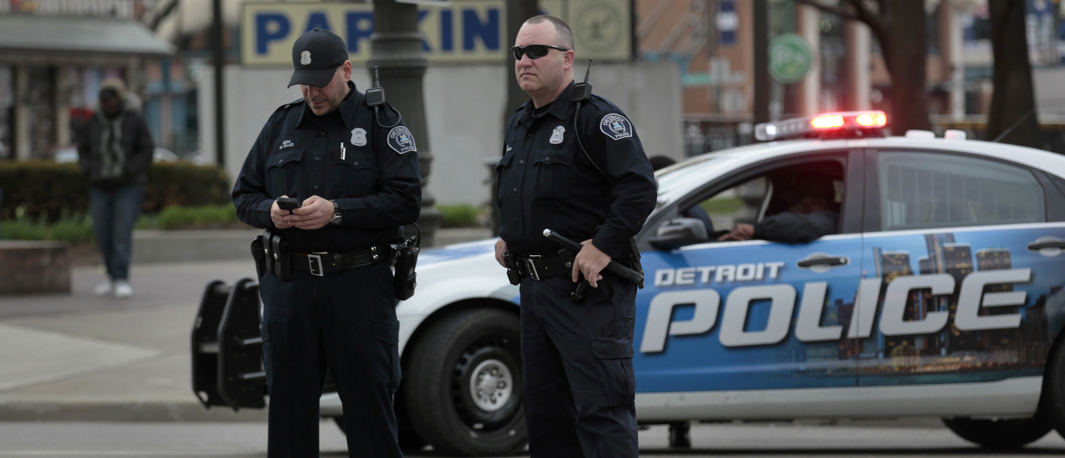 Michigan police monitor a protest downtown Detroit (Reuters, 06/26/18)
