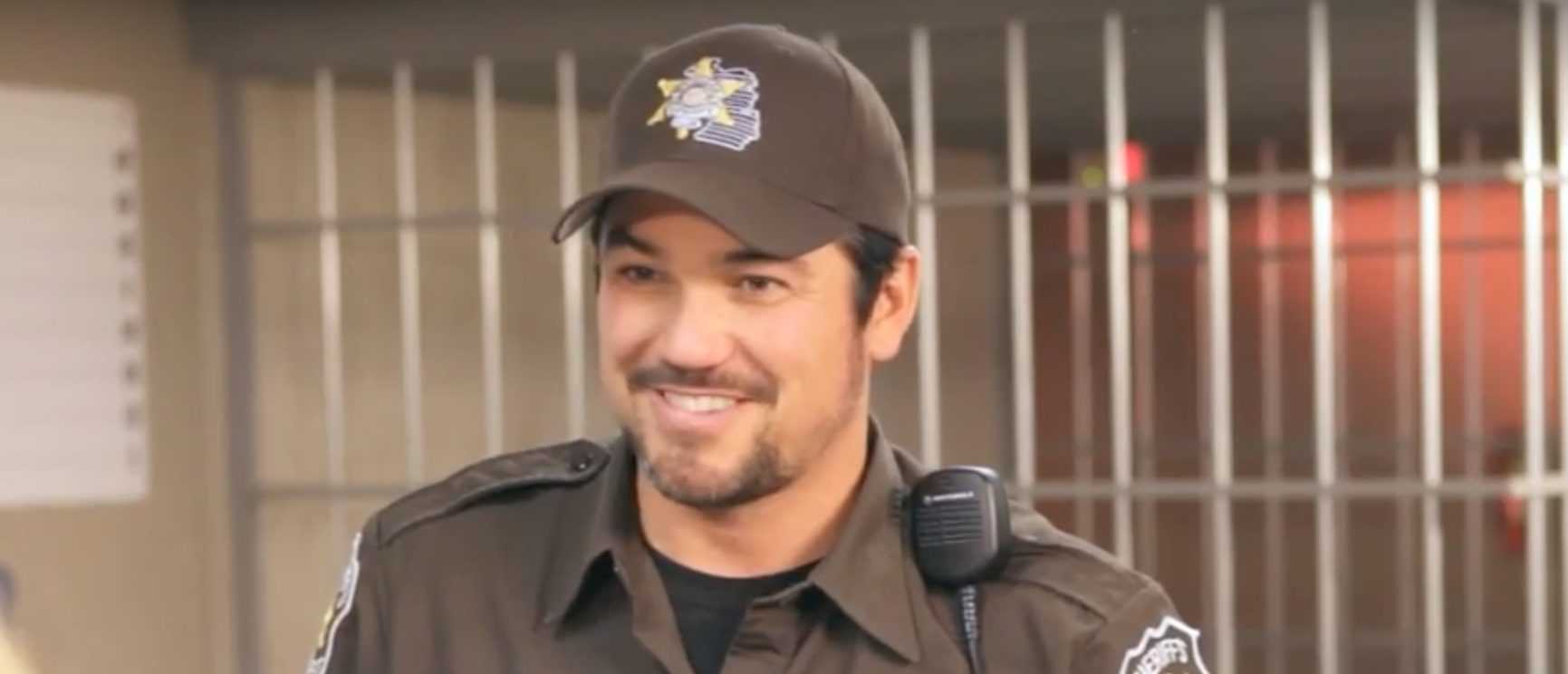 Dean Cain plays the role of sheriff in 'Small Town Santa.'/Screenshot
