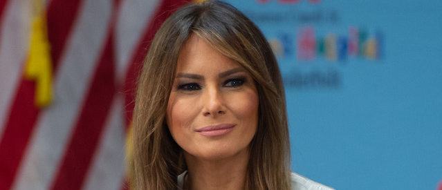 """US First Lady Melania Trump holds a roundtable discussion on neonatal abstinence syndrome (NAS) during a visit to Monroe Carell Jr. Children's Hospital at Vanderbilt in Nashville, Tennessee, July 24, 2018, as part of her """"Be Best"""" campaign. (Photo credit: SAUL LOEB/AFP/Getty Images)"""