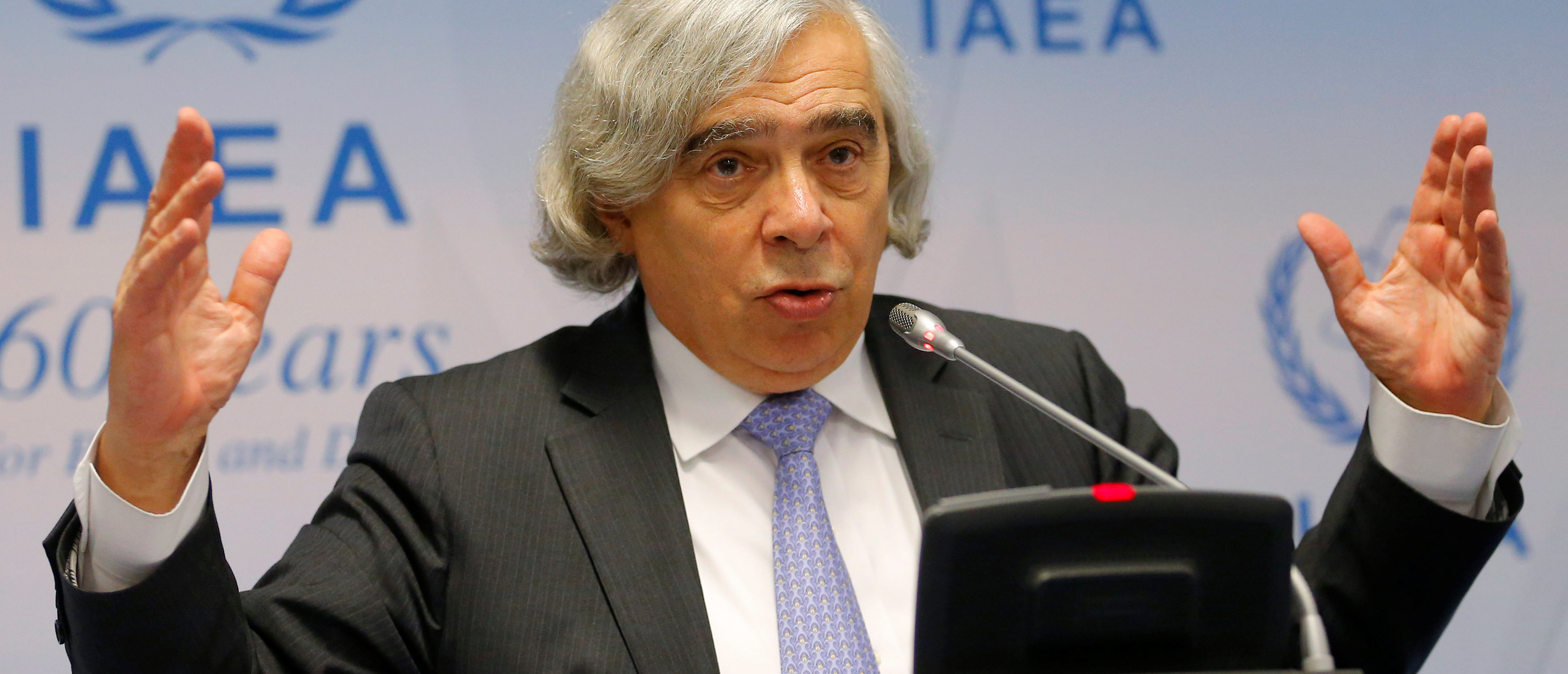 U.S. Secretary of Energy Ernest Moniz addresses a news conference during the IAEA (International Atomic Energy Agency) general conference in Vienna, Austria September 26, 2016. REUTERS/Heinz-Peter Bader - S1BEUDNIJOAA