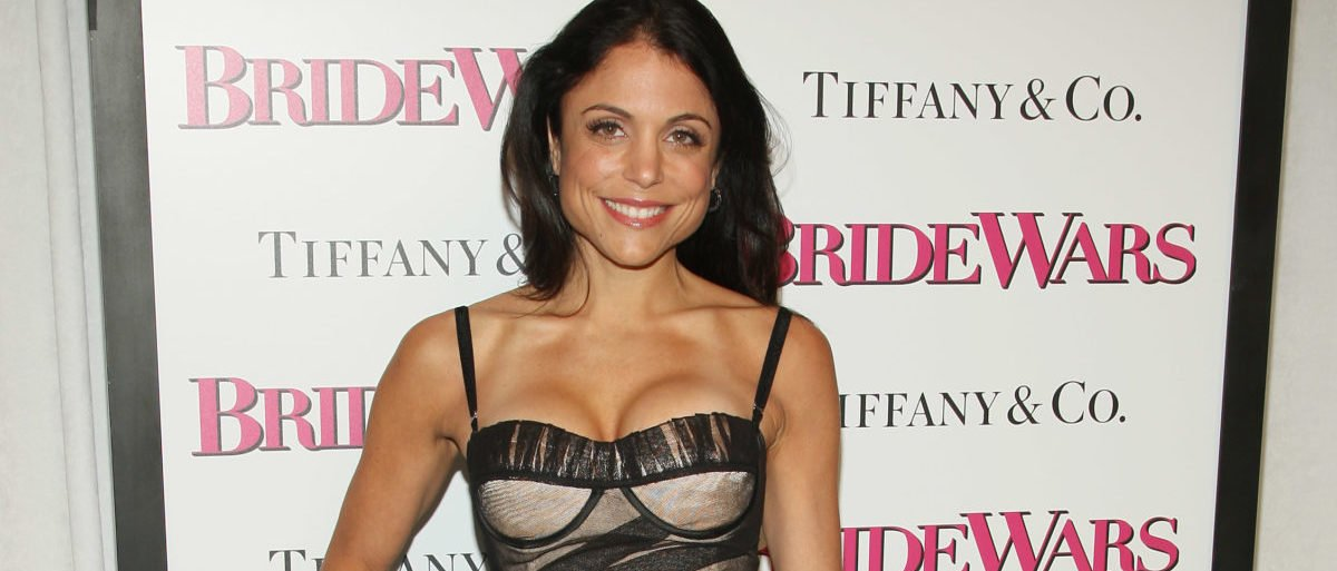 """NEW YORK - JANUARY 05: TV Personality Bethenny Frankel attends the """"Bride Wars"""" Premiere at AMC Loews Lincoln Square on January 5, 2009 in New York City. (Photo by Stephen Lovekin/Getty Images for 20th Century Fox)"""