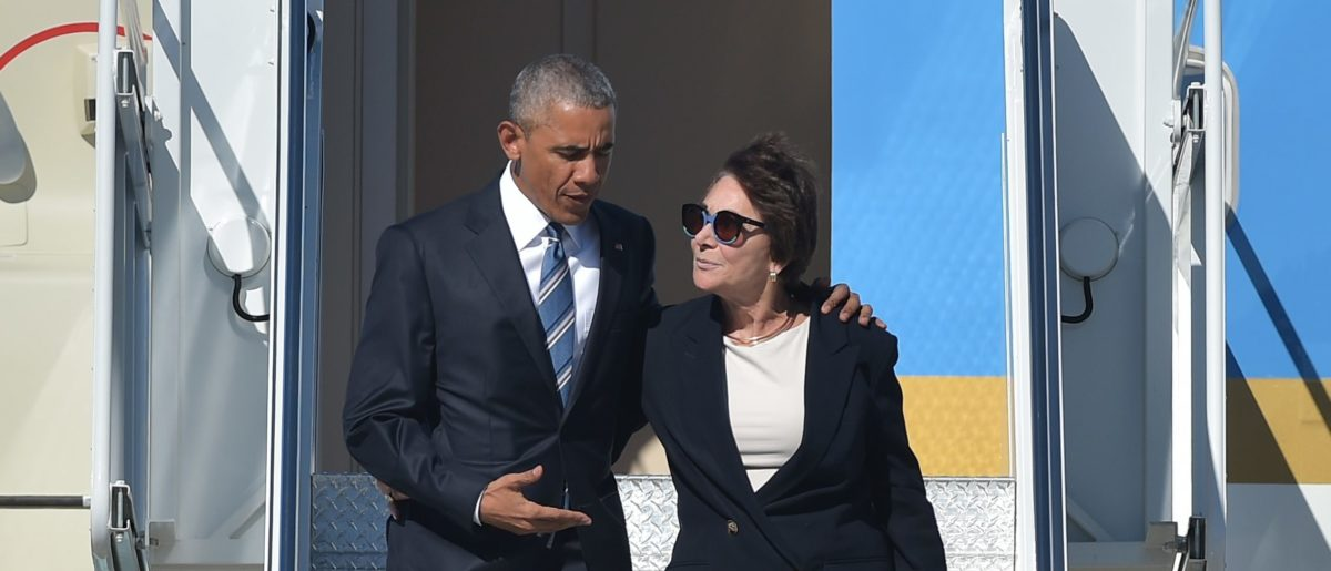 US President Barack Obama and Rep. Anna Eshoo step off Air Force One upon arrival at Moffett Federal Airfield, in Mountain View, California on June 23, 2016. / AFP / MANDEL NGAN (Photo credit should read MANDEL NGAN/AFP/Getty Images)