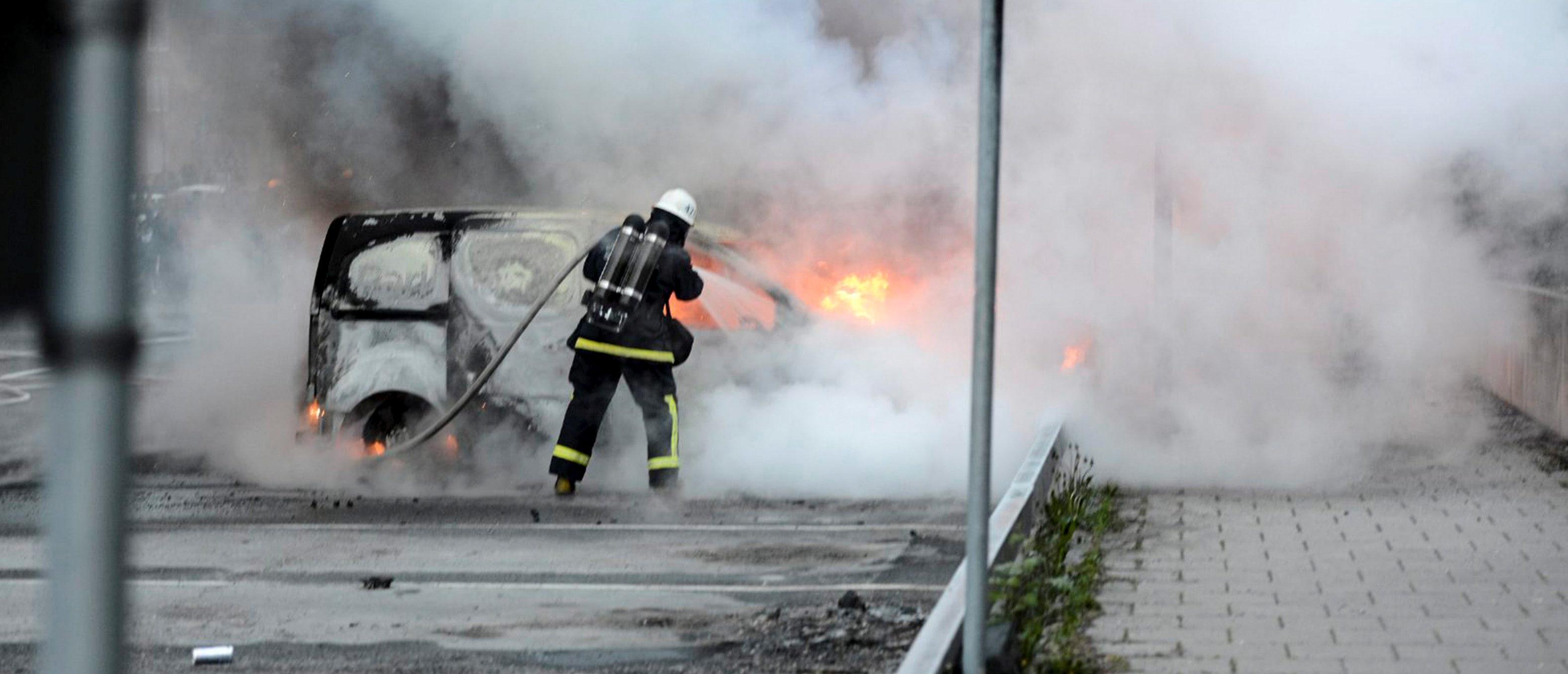 Swedish Gangs Destroy Nearly 100 Cars Overnight