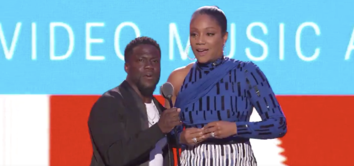 Kevin Hart Goes After The President During The Video Music Awards