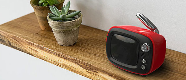 Have More Fun Managing Your Time With This Retro Wireless Speaker