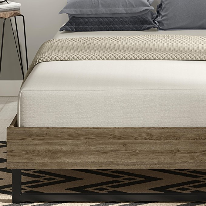 Normally $260, this mattress is 34 percent off today (Photo via Amazon)