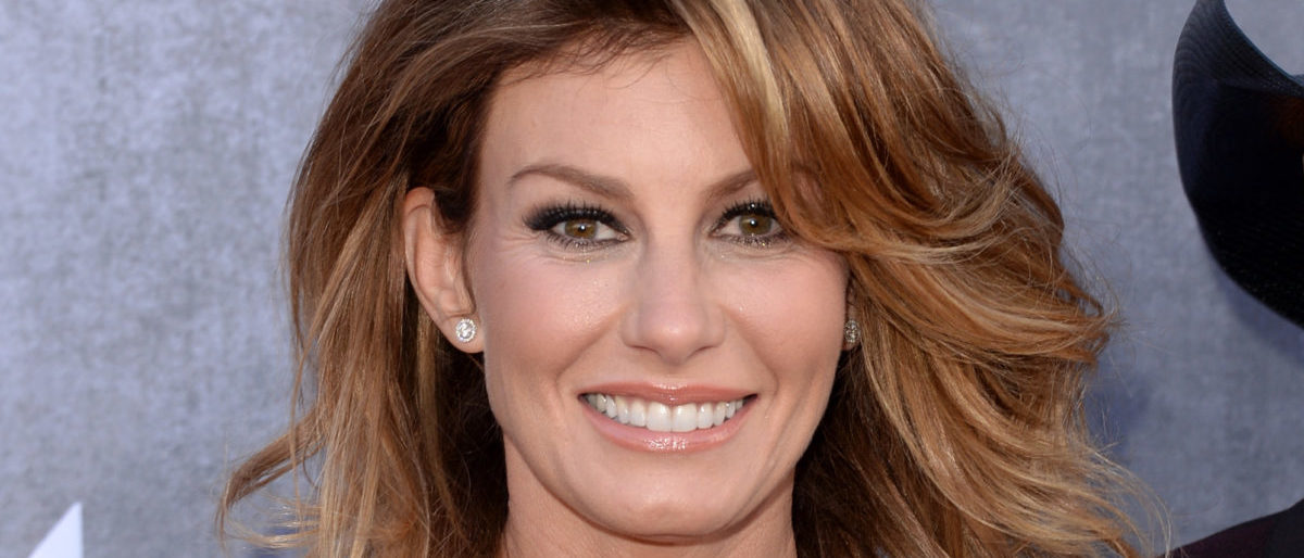 Celebrate Faith Hill's Birthday With These Jaw-Dropping Looks