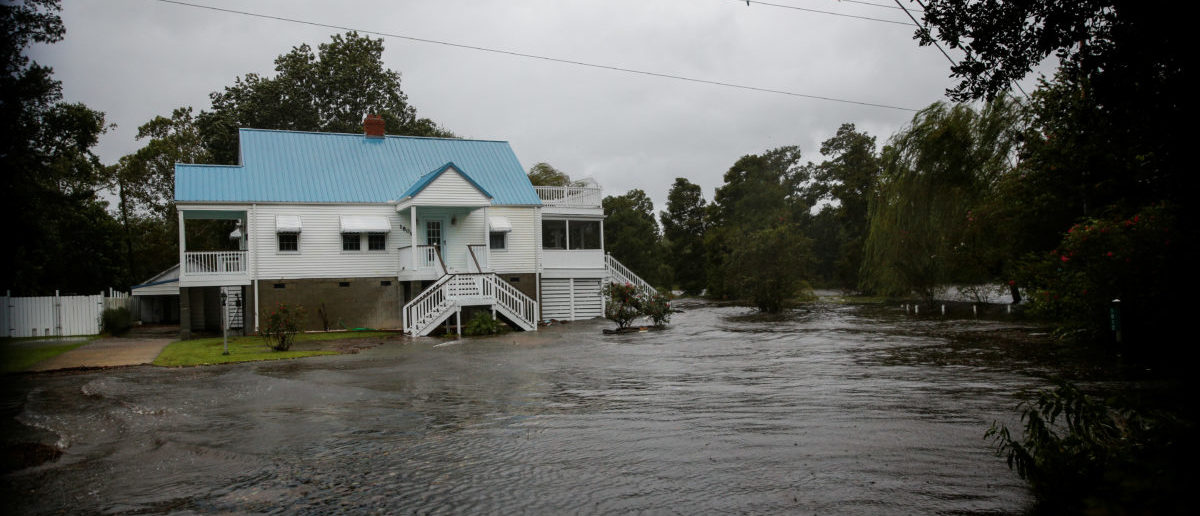 Water from Neuse River floods houses as Hurricane Florence comes ashore in New Bern, North Carolina, U.S., September 13, 2018. REUTERS/Eduardo Munoz