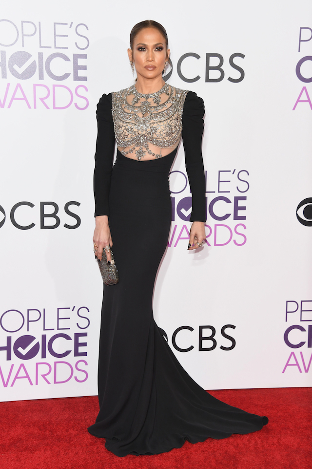 Actress/singer Jennifer Lopez attends the People's Choice Awards 2017 at Microsoft Theater on January 18, 2017 in Los Angeles, California. (Photo by Alberto E. Rodriguez/Getty Images)