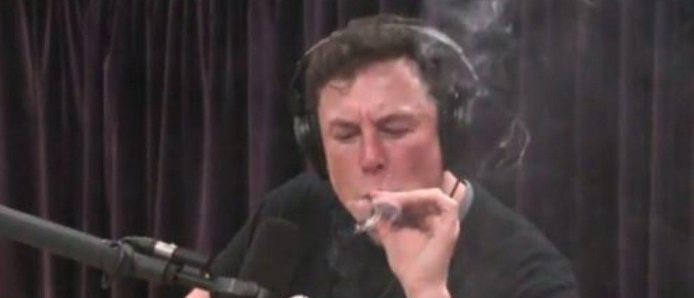 Musk smokes pot with Joe Rogan on podcast (YouTube snapshot)