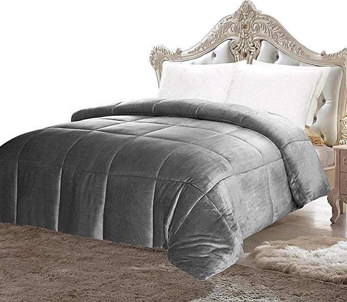 Normally $50, this comforter is 44 percent off (Photo via Amazon)