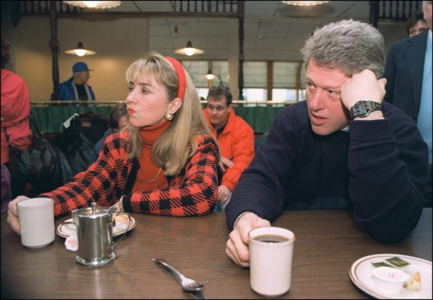BEDFORD, : Democratic presidential candidate Bill Clinton (r) in a picture dated 16 February 1992 in Bedford and his wife Hillary relax during campaign tour. (Photo credit should read JOHN MOTTERN/AFP/Getty Images)