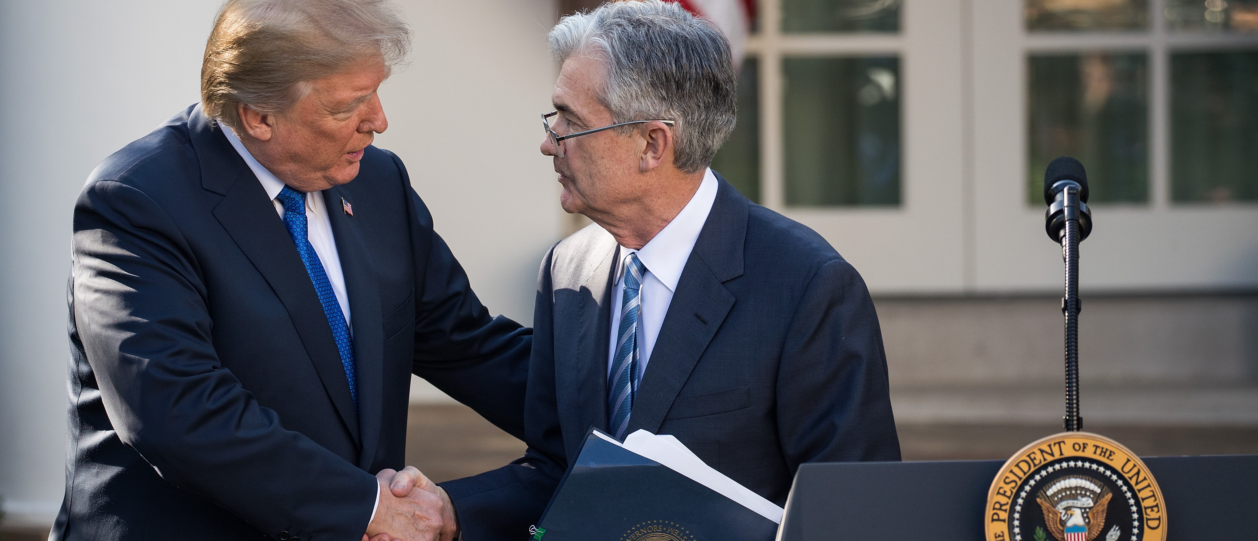 WASHINGTON, DC - NOVEMBER 02: (L to R) U.S. President Donald Trump shakes hands with his nominee for the chairman of the Federal Reserve Jerome Powell during a press event in the Rose Garden at the White House, November 2, 2017 in Washington, DC. Current Federal Reserve chair Janet Yellen's term expires in February. (Photo by Drew Angerer/Getty Images)