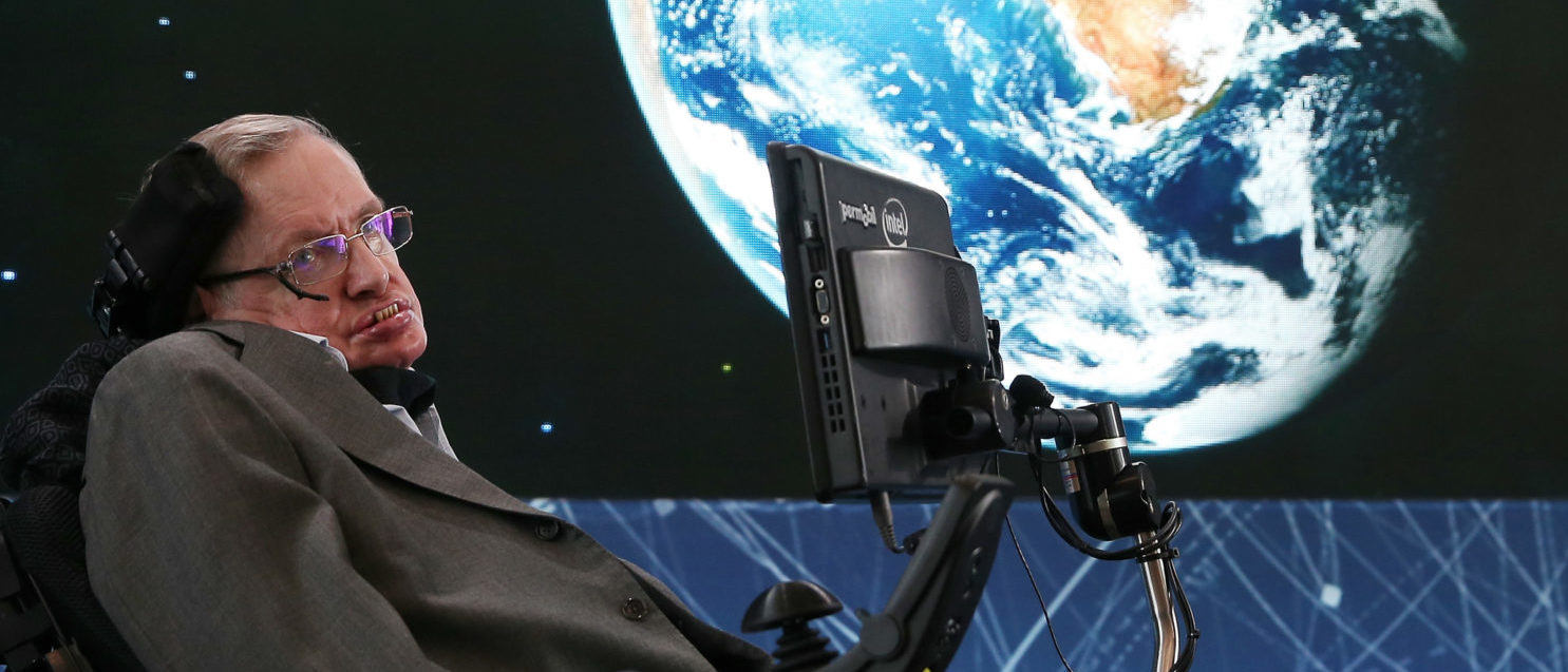 """NEW YORK, NEW YORK - APRIL 12: Professor Stephen Hawking attends the New Space Exploration Initiative """"Breakthrough Starshot"""" Announcement at One World Observatory on April 12, 2016 in New York City. (Photo by Jemal Countess/Getty Images)"""