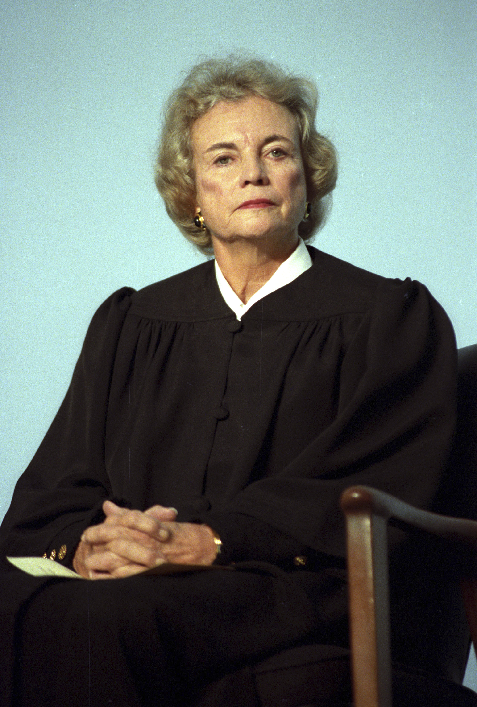 U.S. Supreme Court Justice Sandra Day O'Connor poses for a portrait in Washington November 12, 1991. REUTERS/Rick Wilking
