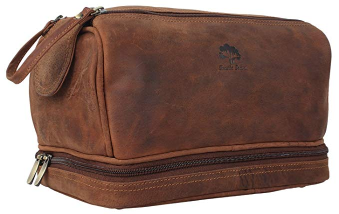 Normally $40, this toiletry bag is 25 percent off today (Photo via Amazon)
