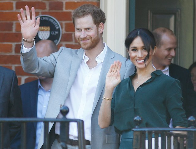 Prince Harry and his wife Meghan, the Duchess of Sussex, greet well wishers in Chichester, Britain, October 3, 2018. REUTERS/Peter Nicholls