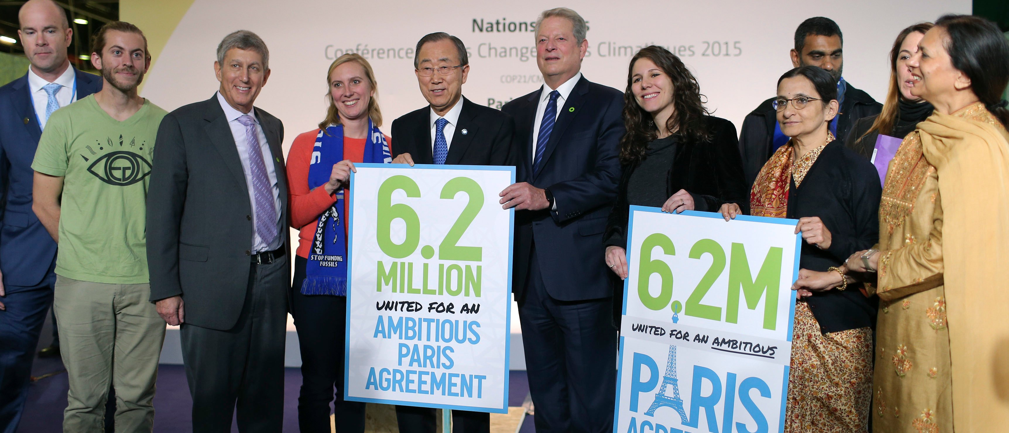 United Nations Secretary-General Ban Ki-moon (5thL) and Al Gore (6thL), former U.S. Vice President and Climate Reality Project Chairman, pose with representative of NGO's, during the World Climate Change Conference 2015 (COP21) at Le Bourget, near Paris, France, December 10, 2015. REUTERS/Stephane Mahe - LR1EBCA10XLBW