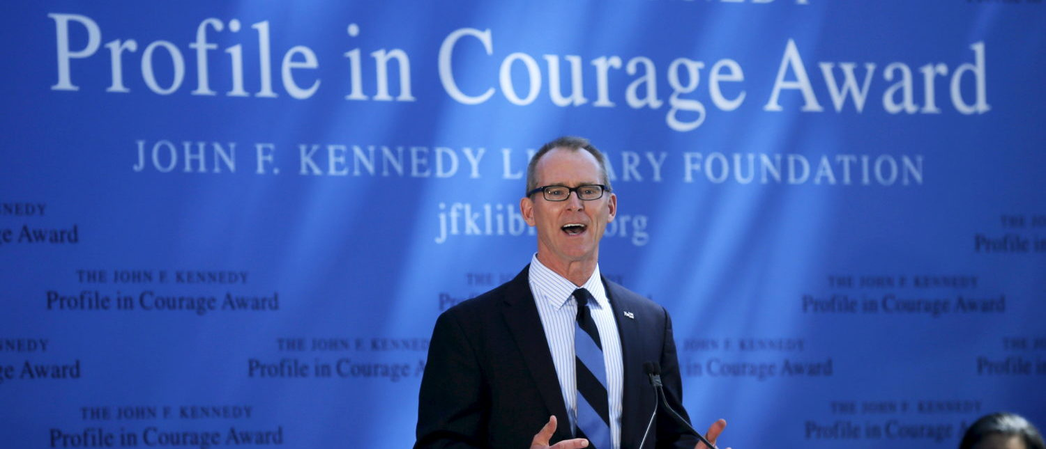 Former U.S. Representative Bob Inglis accepts the 2015 John F. Kennedy Profile in Courage Award at the Kennedy Library in Boston, Massachusetts, United States May 3, 2015. REUTERS/Brian Snyder