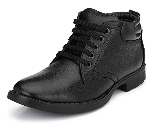 Normally $75, these work boots are 50 percent off today (Photo via Amazon)