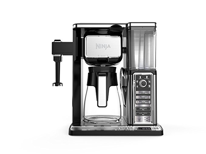 Normally $200, this coffee maker is 50 percent off today (Photo via Amazon)