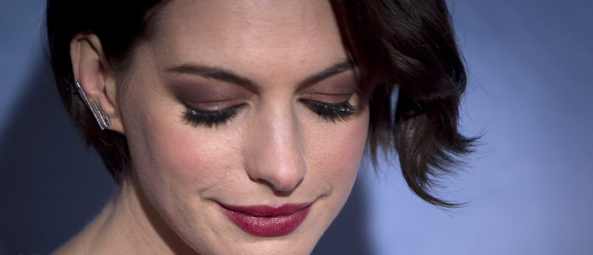 """Actress Anne Hathaway arrives for the premiere of her film """"Interstellar"""" in New York November 3, 2014. REUTERS/Carlo Allegri"""