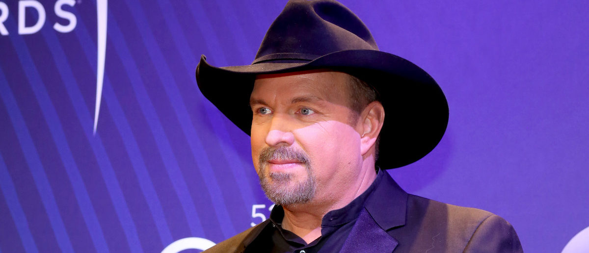 Garth Brooks attends the 52nd annual CMA Awards at the Bridgestone Arena on November 14, 2018 in Nashville, Tennessee. (Photo: Getty Images)