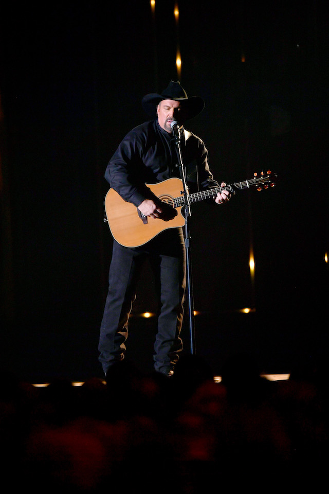 Garth Brooks performs onstage during the 52nd annual CMA Awards at the Bridgestone Arena on November 14, 2018 in Nashville, Tennessee. (Photo: Getty Images)
