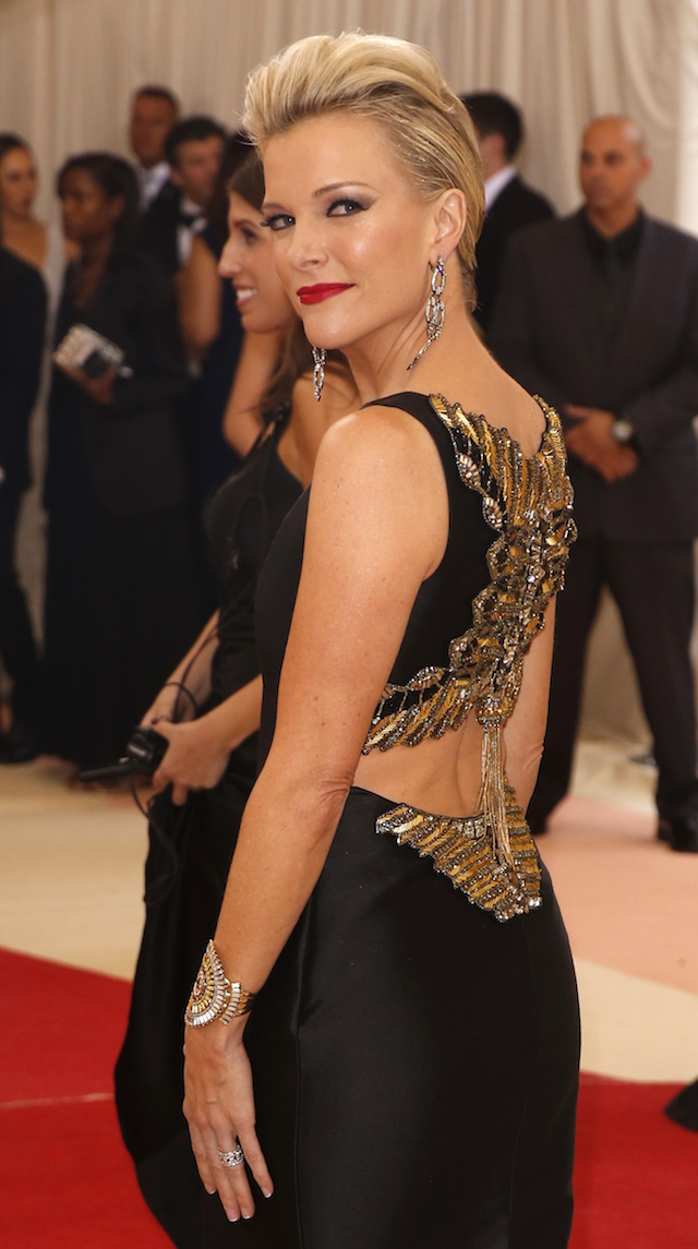 "Journalist Megyn Kelly arrives at the Metropolitan Museum of Art Costume Institute Gala (Met Gala) to celebrate the opening of ""Manus x Machina: Fashion in an Age of Technology"" in the Manhattan borough of New York, May 2, 2016. REUTERS/Lucas Jackson"